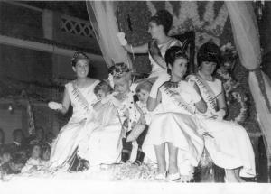 Carroza de Reina y Damas en El Campello Años '60