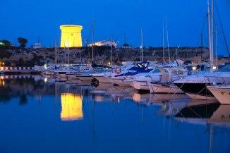 Torre y Puerto