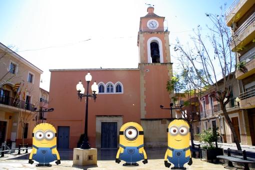 minions_plaza_iglesia_campello